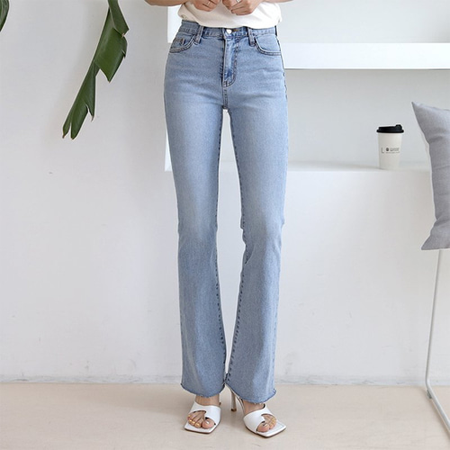 Light Flare Bootcut Jeans