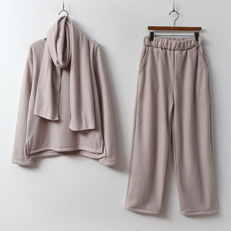 [Set] Gimo Warm Muffler + Tee + Wide Pants